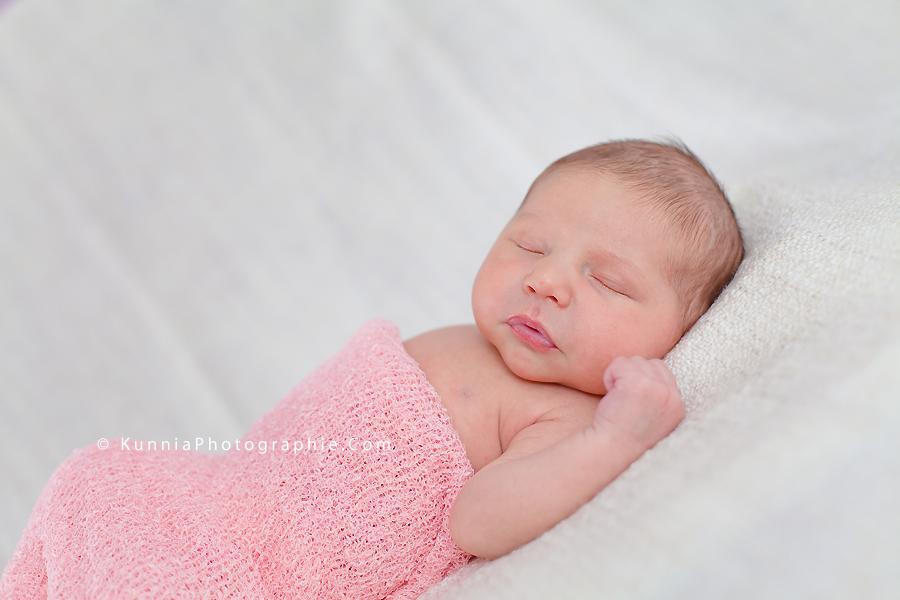 photographe nouveau né Caen bébé 12 jours studio  nouveau né