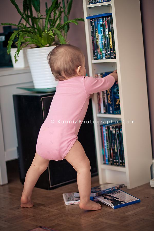 Projet 52 photographe Caen bébé qui fait des bétises