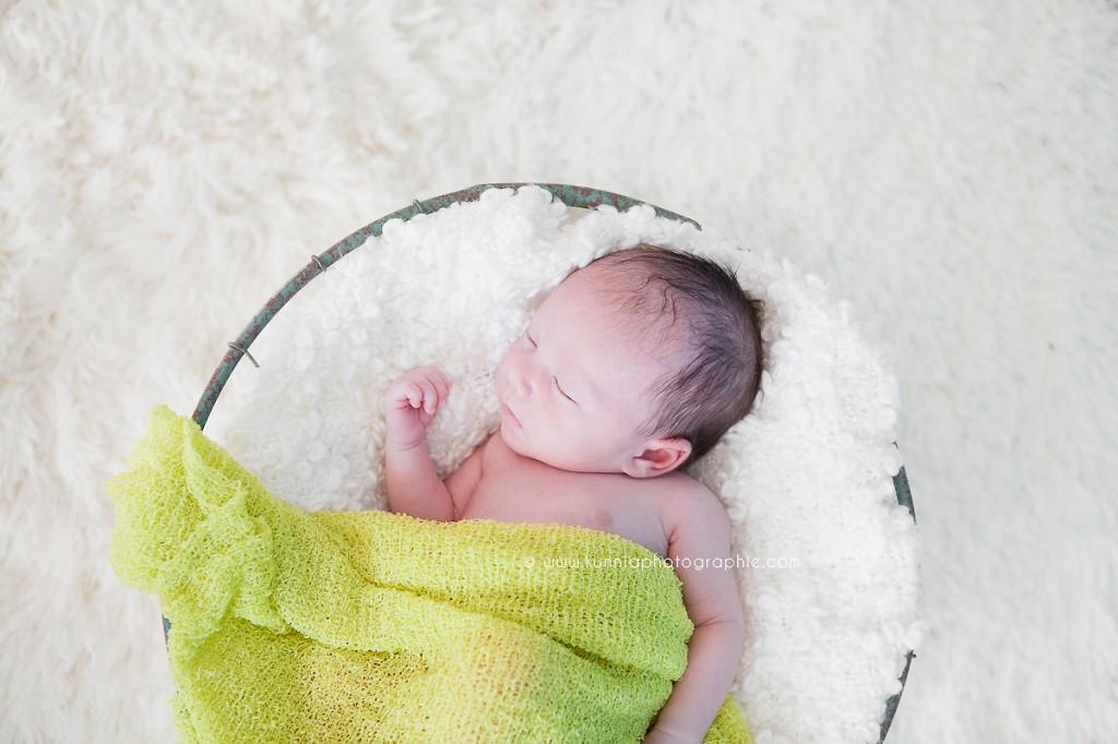 séance photo nouveau-né bébé photographe spécialiste maternité caen