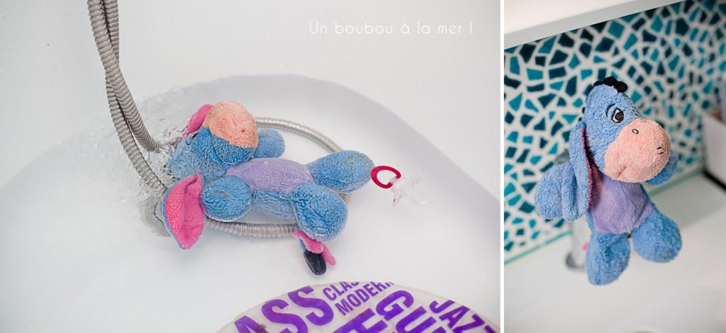 bourriquet disney bébé qui fait le bain bébé qui fait des betises photographe enfant dives sur mer