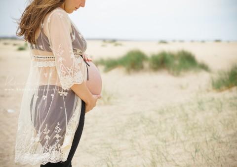 Séance Grossesse Cabourg | Femme enceinte sur la plage