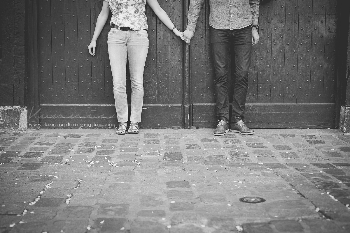 séance couple en amoureux rouen cathedrale de Rouen photographe mariage normandie caen paris rouen dieppe rennes photographe couple