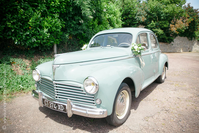 Mariage champetre à la grange d'espins par Kunnia Photographie photographe mariage normandie voiture ancienne