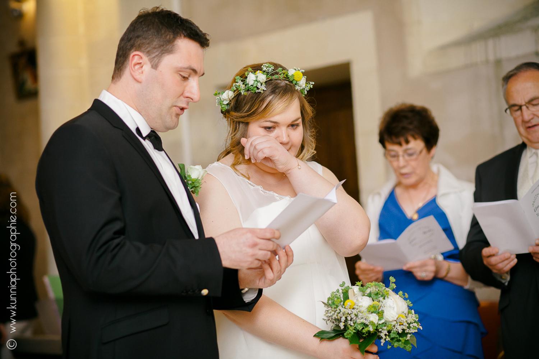 Mariage champetre à la grange d'espins par Kunnia Photographie photographe mariage normandie emotions pleurs église