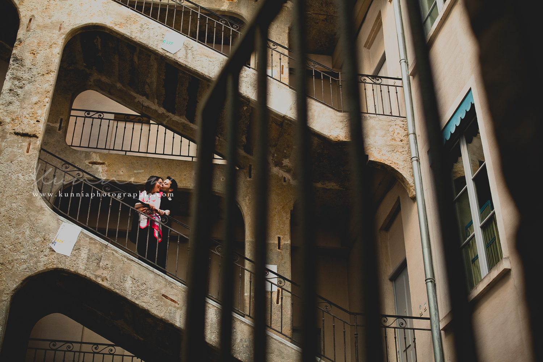 séance engagement urbex, photos originales mariage