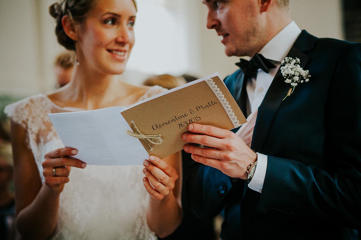 mariage franco finois à la grange du mesnil varin à Saint Paër en seine maritime cérémonie protestante