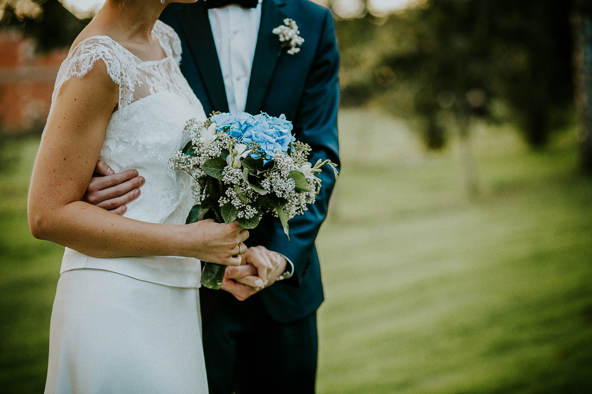 mariage franco finois à la grange du mesnil varin à Saint Paër en seine maritime