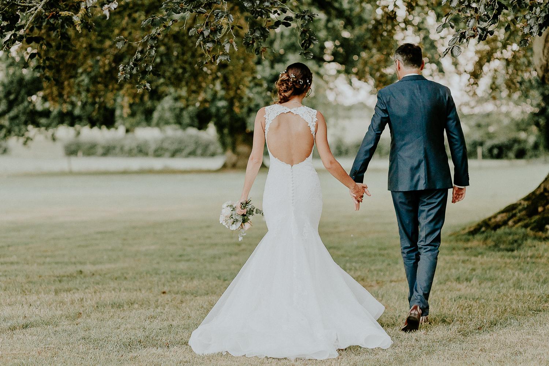 robe de mariée dos nu mariage bohème chic champetre normandie