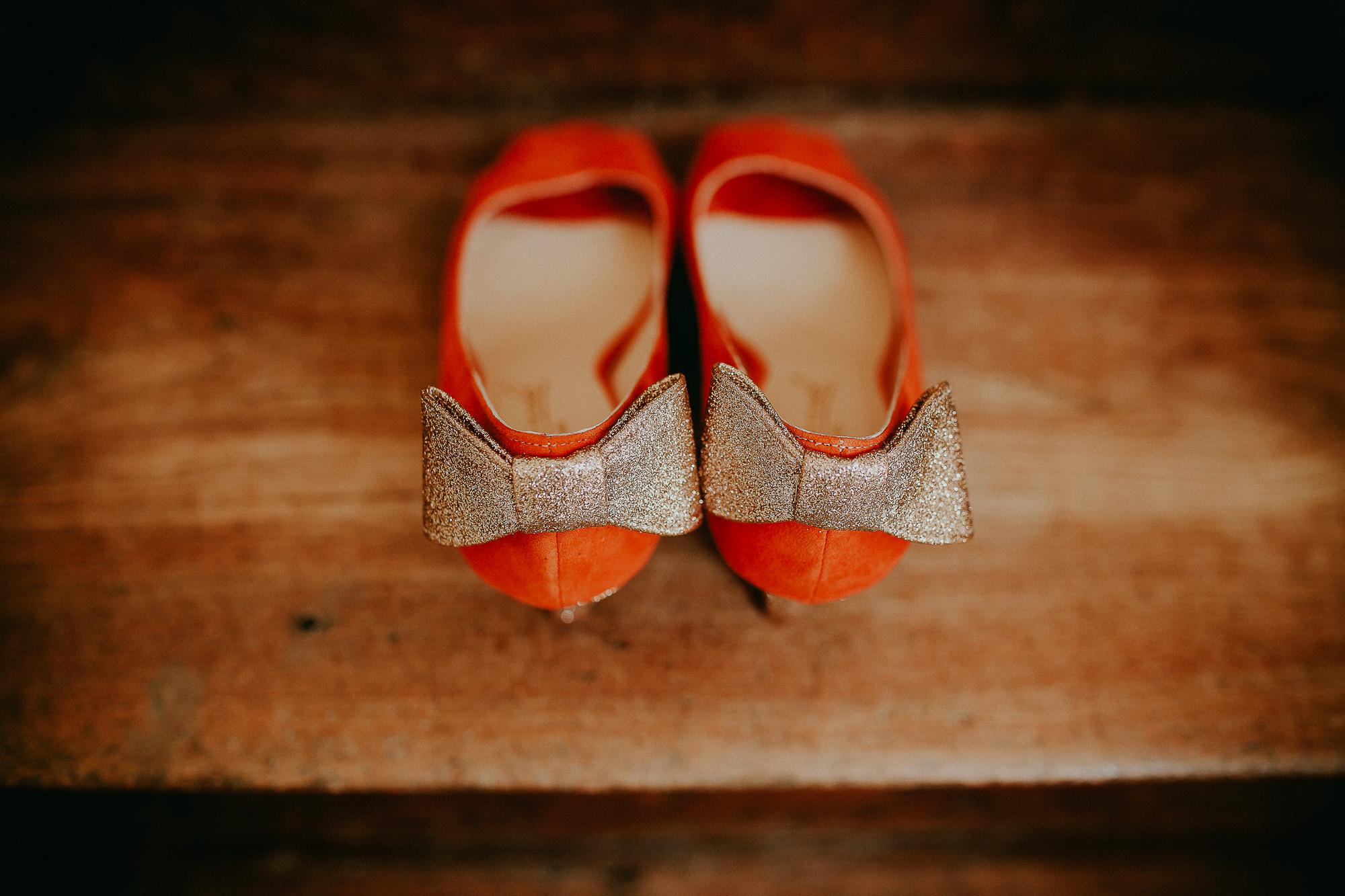 chaussure mariée orange dorée