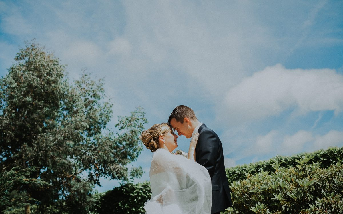 Un mariage champêtre et pastel au Château de Surville